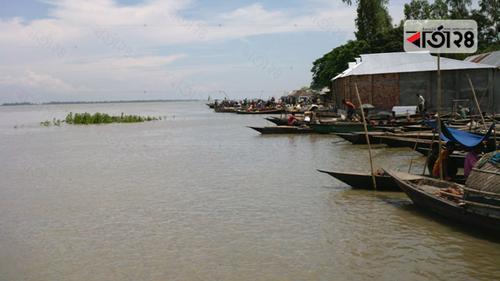 গাইবান্ধায় এক মাসেও নামেনি বন্যার পানি