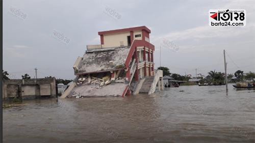 পদ্মা কেড়ে নিল শিবচরের আরও একটি বিদ্যালয়