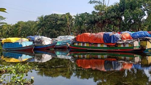 কোটালীপাড়ায় ভাঙারি ব্যবসায় ধস, ৩ হাজার ফেরিওয়ালা বেকার