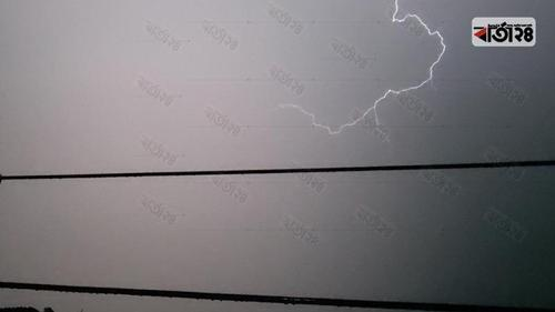 ধামরাইয়ে ঘুড়ি উড়ানোর সময় বজ্রপাতে যুবকের মৃত্যু
