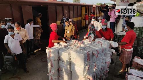 ৯০০০ কেজি আম নিয়ে ঢাকা আসছে 'ম্যাংগো স্পেশাল'