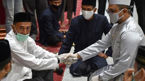 মুসলিমদের বিয়ে অনুষ্ঠানের অনুমতি দিলো ইন্দোনেশিয়া