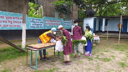 প্রচেষ্টা শান্তি সংঘের ১০ টাকার বাজার