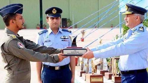 ইসলামাবাদে পাকিস্তান বিমানবাহিনীর প্লেন বিধ্বস্ত, পাইলট নিহত