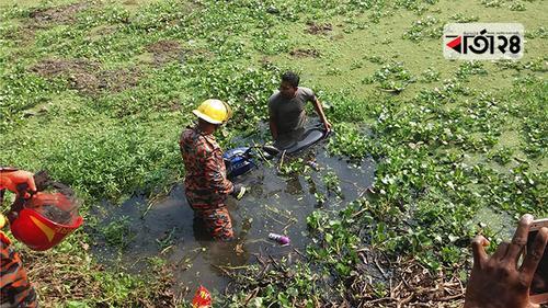 গোপালগঞ্জে মোটরসাইকেল খালে পড়ে চালকের মৃত্যু