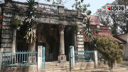 রংপুর পাবলিক লাইব্রেরি: জ্ঞানের ঘরে অন্ধকার
