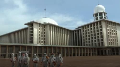 সিঙ্গাপুরের সব মসজিদ বন্ধ, ইন্দোনেশিয়ায় ছিটানো হচ্ছে জীবাণুনাশক