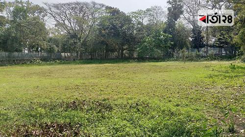 বঙ্গবন্ধুর স্মৃতি আকড়ে আছে টুঙ্গিপাড়ার খেলার মাঠ