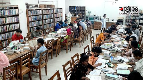 ময়মনসিংহ বিভাগীয় গণগ্রন্থাগার: পাঠক বেশি, আসন কম