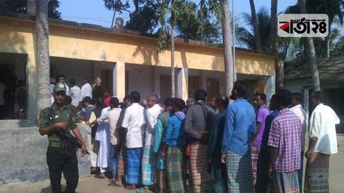 গাইবান্ধা-৩ আসনে চলছে ভোটগ্রহণ