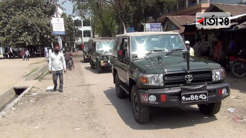 করোনা: ঠাকুরগাঁওয়ে সেনাবাহিনীর টহল শুরু