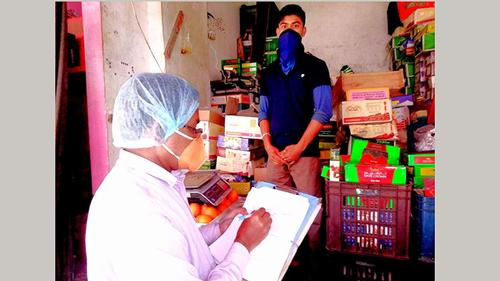 রংপুরে স্বাস্থ্যবিধি অমান্য করায় ৪২ হাজার টাকা জরিমানা