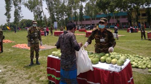 'সম্প্রীতির বাজার' চালু করল সেনাবাহিনী