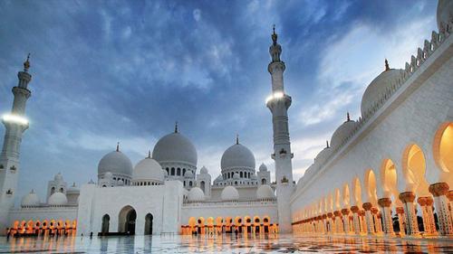 আরব আমিরাতে মসজিদ খুলে দেওয়ার প্রস্তুতি চলছে