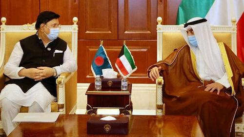 Foreign Minister meets new Kuwait Emir