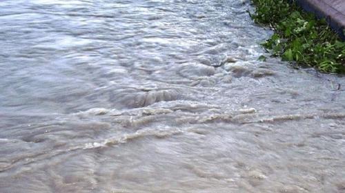 নদীর তীব্র স্রোতে ভেসে গেছে শিশু