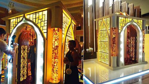 আম্বর পাথরে নির্মিত ভ্রাম্যমাণ মসজিদ