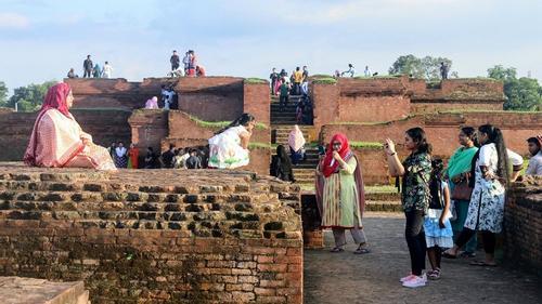 করোনার ক্ষত কাটিয়ে ঘুরে দাঁড়াচ্ছে কুমিল্লার পর্যটন শিল্প