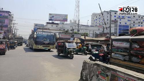 নোয়াখালীতে লকডাউন অমান্য: যানবাহন-ব্যবসা প্রতিষ্ঠানকে অর্থদণ্ড