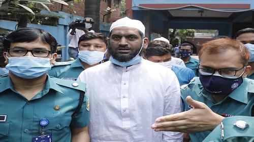 Hefazat leader Mamunul Haque taken to DB office