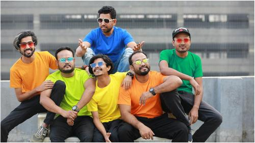 Raz bring 'Family Express' with his five assistant director coming this Eid