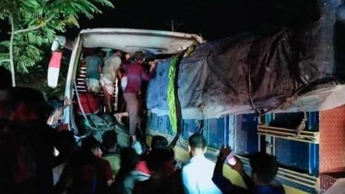Five killed in a bus-truck collision in Mymenshing