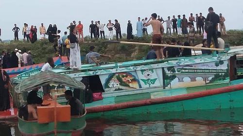 ব্রাহ্মণবাড়িয়ায় নৌকাডুবি: ১০ জনের মরদেহ উদ্ধার