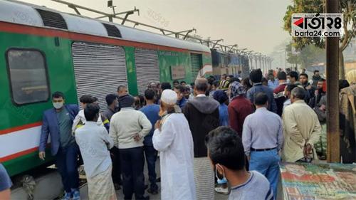 সিরাজগঞ্জ এক্সপ্রেস ট্রেন ৩ ঘণ্টা পর ছাড়ল