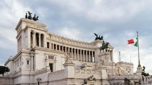 রাজনৈতিক সঙ্কটে ইতালিতে আস্থাভোট