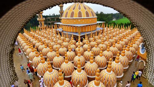টাঙ্গাইলের দৃষ্টিনন্দন ২০১ গম্বুজ মসজিদ