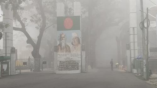 কুয়াশায় বাসের সিডিউল বিপর্যয়ে ভোগান্তিতে ভারতগামী যাত্রীরা