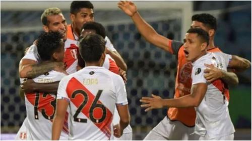 Peru beat Paraguay to reach Copa America semis