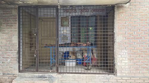 চাঁপাইনবাবগঞ্জে সেপটিক ট্যাংকে পড়ে প্রাণ গেল শ্রমিকের