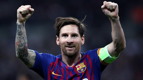 Messi agrees to stay Barcelona on reduced wages