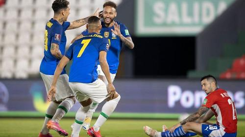 Neymar leads Brazil to a 2-0 win against Paraguay