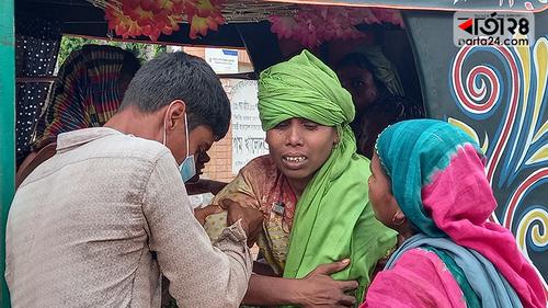রাজশাহীতে সন্ত্রাসীদের হামলায় একই পরিবারের আটজন আহত