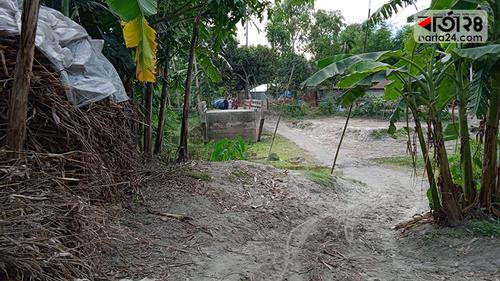 কালীগঞ্জে ব্রিজআছে সংযোগ সড়ক নাই, দুর্ভোগে হাজারও গ্রামবাসী