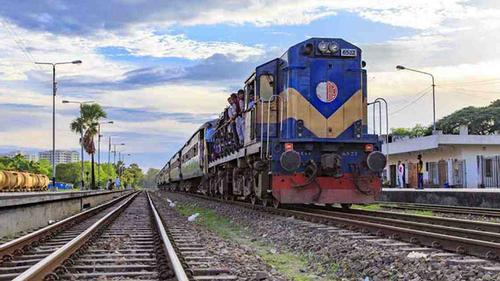 দুর্ভোগ নিরসনে রোববার থেকে ঢাকা-গাজীপুর রুটে বিশেষ ট্রেন