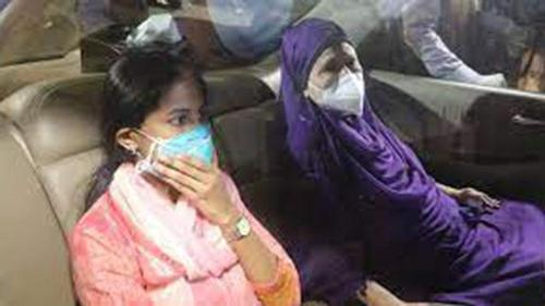 Khaleda Zia reaches her Gulshan residence from hospital