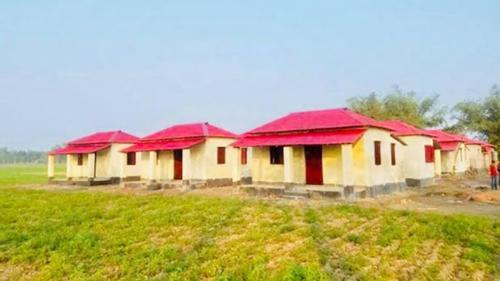 নোয়াখালীতে ঘর পেল  ৮৩৫ গৃহহীন পরিবার