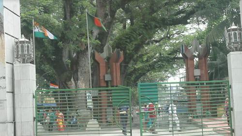 অজ্ঞাত ভাইরাস, ভারতের অন্ধ্রপ্রদেশে যাতায়াতে নিষেধাজ্ঞা