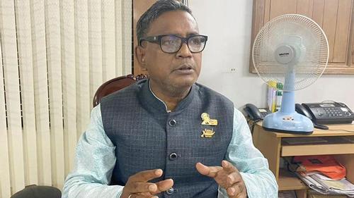 Bureaucratic govt runs the country: Quader Mirza