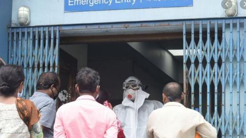সংক্রমণ কমলেও পশ্চিমবঙ্গে ২৪ ঘণ্টায় করোনায় মৃত্যু প্রায় দেড়শো
