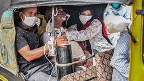 করোনা: দ্বিতীয় ঢেউয়ে নাকাল ভারতে তৃতীয় ঢেউয়ের শঙ্কা
