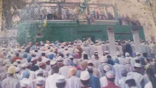 ভারতের উত্তরপ্রদেশে গুঁড়িয়ে দেওয়া হলো শতবর্ষী মসজিদ