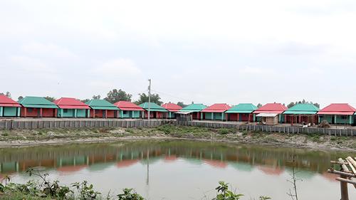 ঠাকুরগাঁওয়ে প্রধানমন্ত্রীর দেওয়া ঘর পাচ্ছে আরও ৮০০ পরিবার