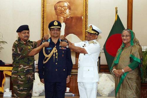 বিমানবাহিনী প্রধানের এয়ার চীফ মার্শাল পদে পদোন্নতি