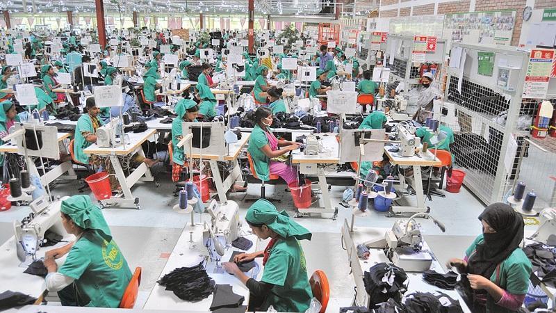 Corona slaps three billion dollar loss to garments sector