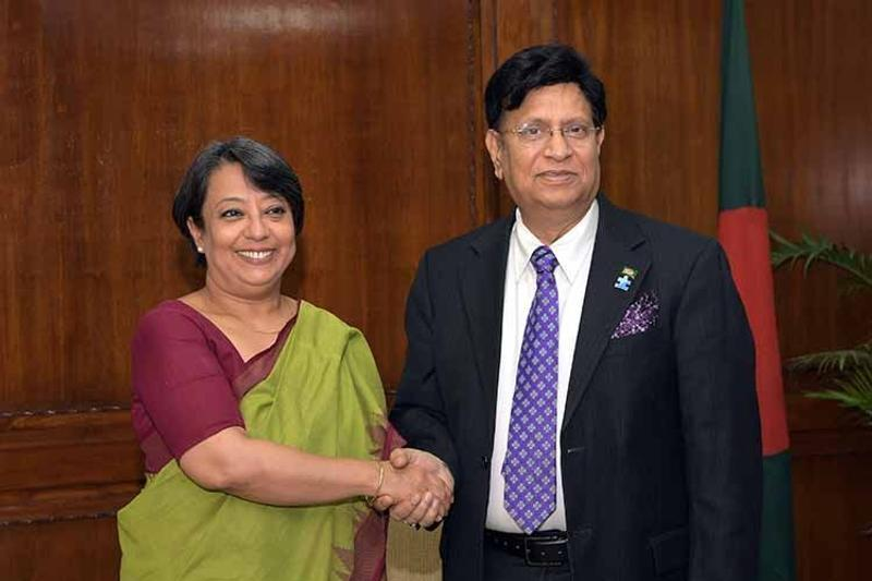 Riva Ganguly meets AK Abdul Momen, Photo: Collected
