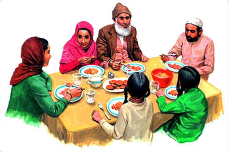 এক মুসলিম পরিবারের সদস্যরা একসঙ্গে খাবার খাচ্ছেন, ছবি: সংগৃহীত